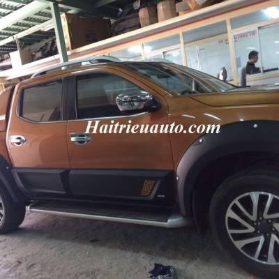 Ốp hông Nissan Navara