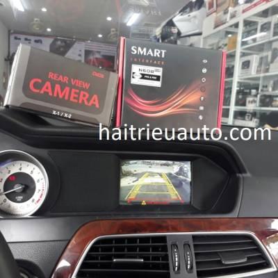 lắp camera lùi cho xe mercedes C200 2013