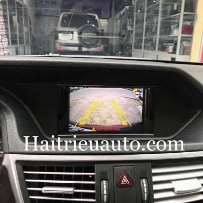 Lắp camera lùi cho xe Mercedes E250 2010